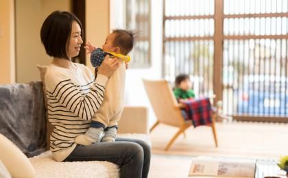 富津市「格子から光が溢れる家」